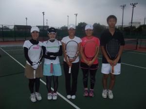 左から、藤さん、上田さん、私、中武さん、藤井さん。